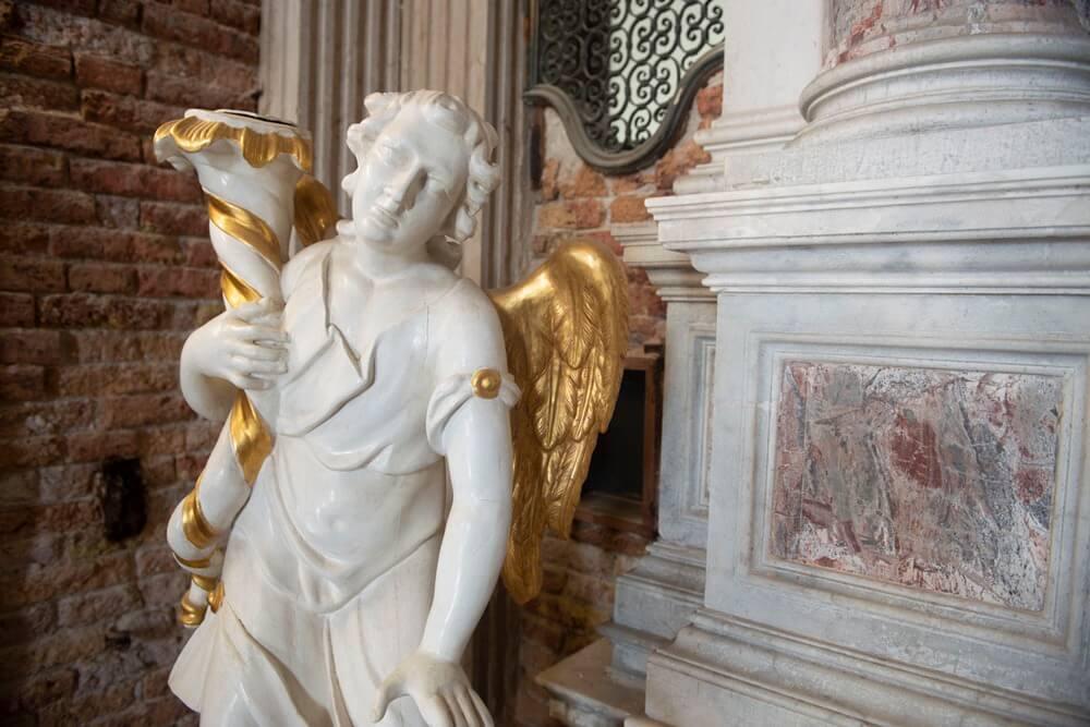 Gioielli nascosti di venezia - Chiesa delle penitenti - dettaglio statua