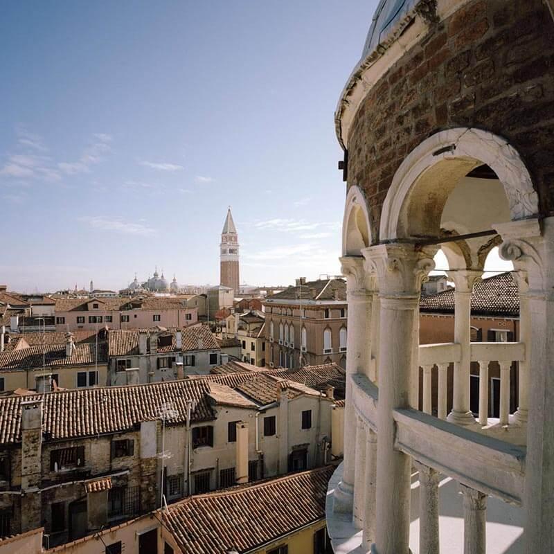 Scala Contarini del Bovolo panorama vista campanile di San Marco
