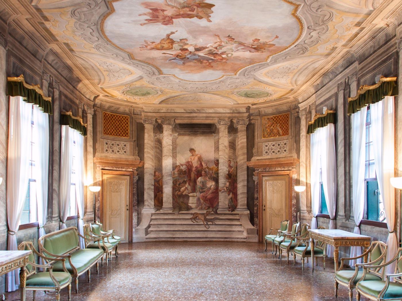 Decorazioni sala e arredo nel Complesso dell Ospedaletto Gioielli Nascosti di Venezia