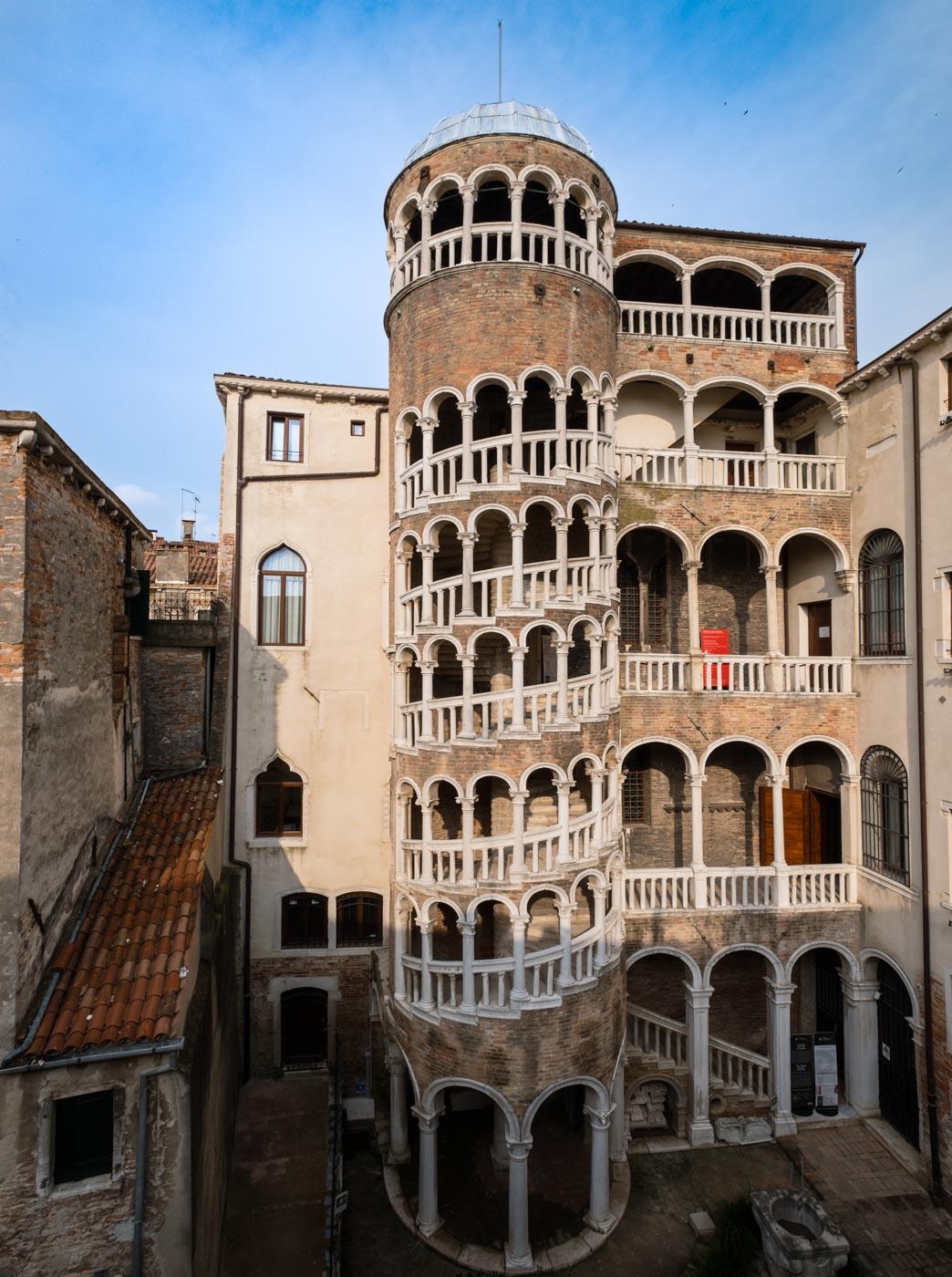 Gioielli Nascosti di Venezia vista della Scala Contarini del Bovolo