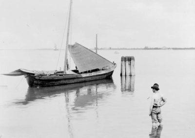 Venezia paesaggio ottocentesco - le vedute di tomaso filippi fotografo - pescatore