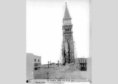 collezione archivio immagini venezia di tomaso filippi - fase di crollo del campanile