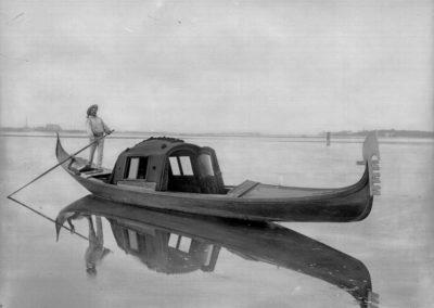 collezione archivio immagini venezia di tomaso filippi - gondola coperta