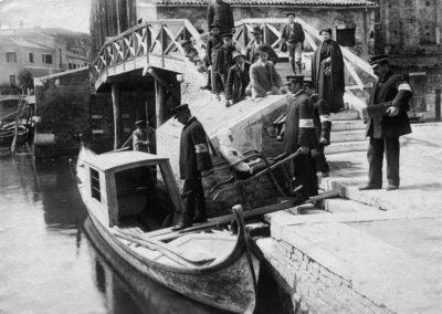 collezione archivio immagini venezia di tomaso filippi - trasporto gondola