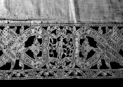 collezione di merletti veneziani - dettaglio trama